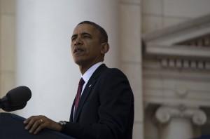 President_Barack_Obama_speaks_during_a_Veterans_Day_ceremony_at_Arlington_National_Cemetery_in_Arlington,_Va.,_Nov._11,_2013_131111-D-BW835-1100