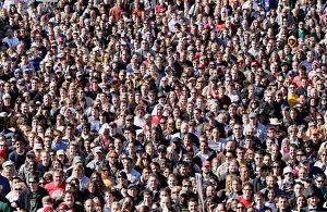 Stewart-rally-crowd-photo